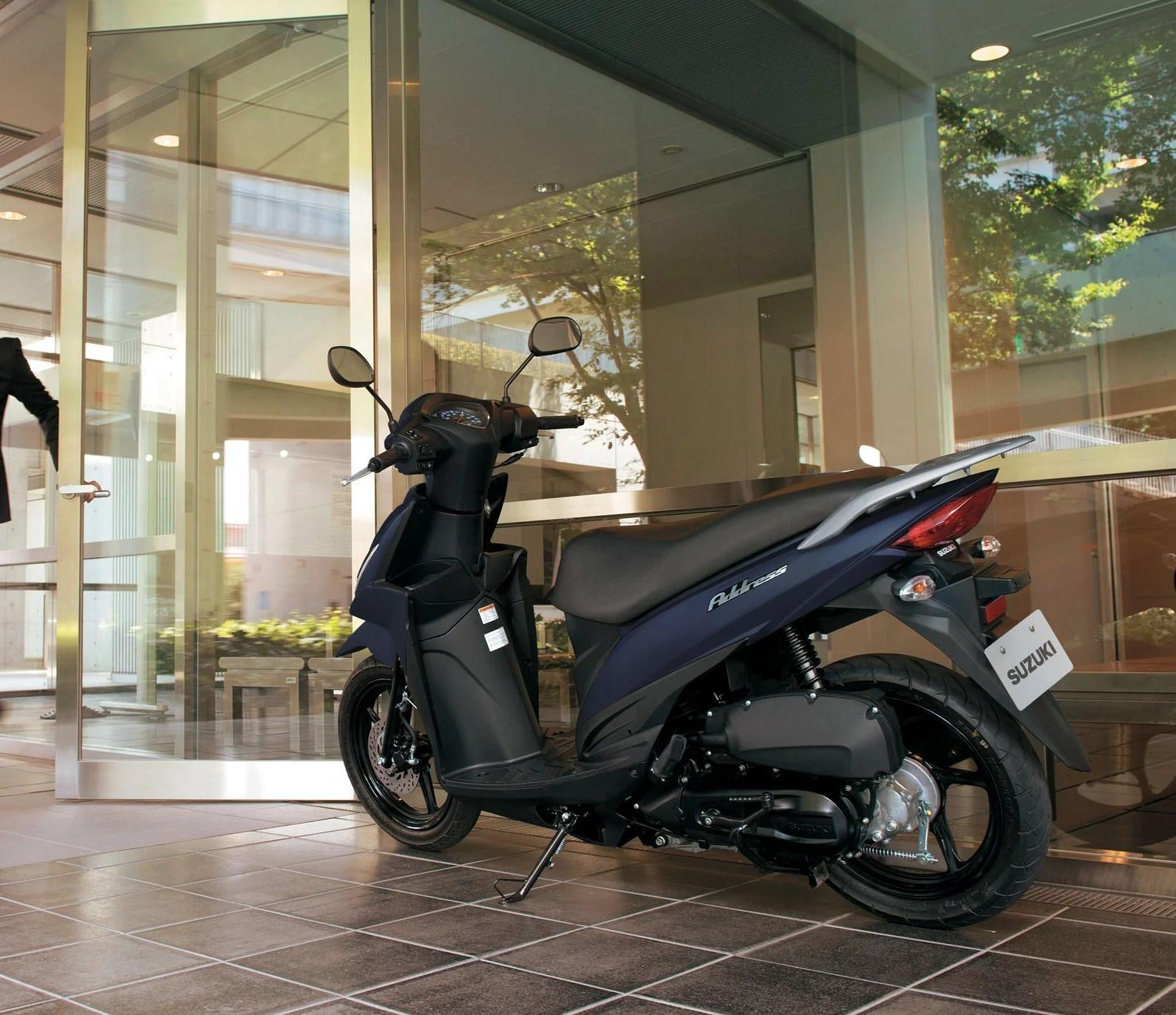 sydney-scooter-hire-ubereats-menulog